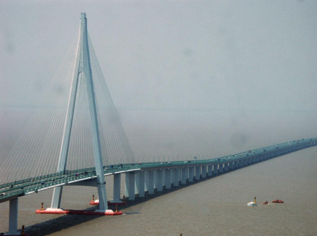 the hangzhou bay bridge is one of the most famous bridges in the world